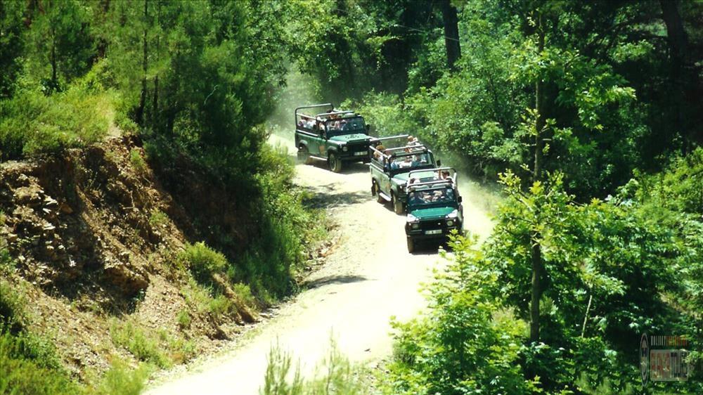 Поездка в Зеленый Каньон на джипах джип сафари в Алании