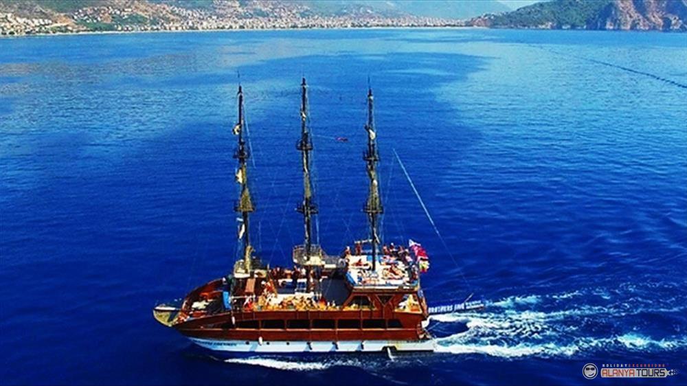 Яхта тур в Алании на Катамаране