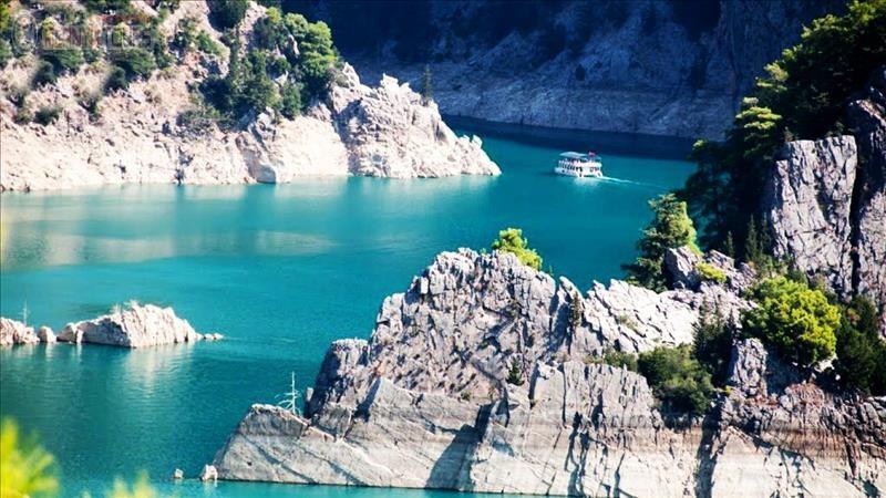 Green Canyon Boat Tour